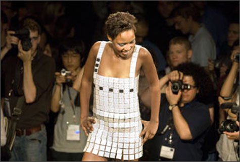 Day-for-Night, Modular Solar Dress » image 5