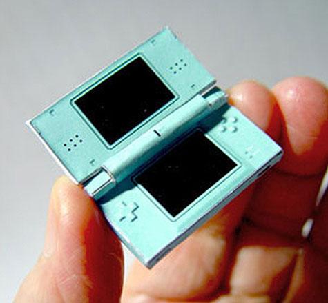 Worlds Smallest Nintendo DS » image 1