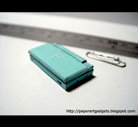 Worlds Smallest Nintendo DS » image 3