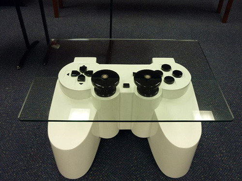 PlayStation fans coffee table  » image 01