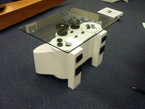 PlayStation fans coffee table  » image 02