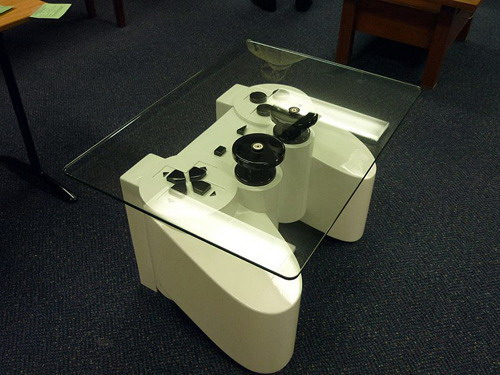 PlayStation fans coffee table  » image 03