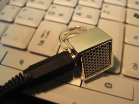 Funky Ring Doubles as Mini Microphone » image 5