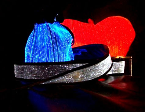 Luminous Fiber Optic Heart Pillow » image 4
