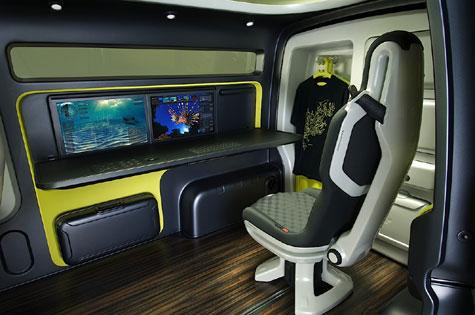 Nissan's NV200 Concept » image 7