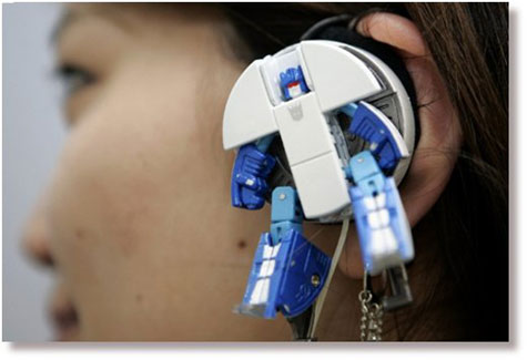 Robots That Transform Into Shoes And Earphones! » image 2