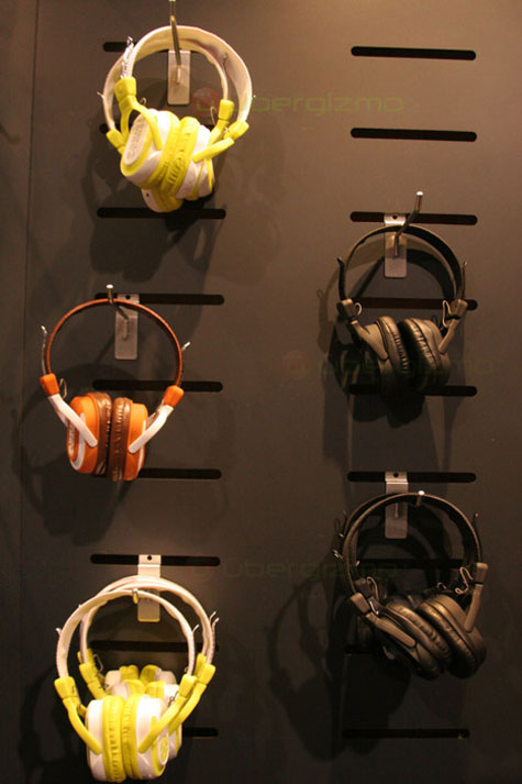 SkullCandy Headphones With Built-in SD Slot » image 2