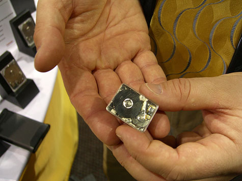 Worlds Smallest Hard Drive » image 1